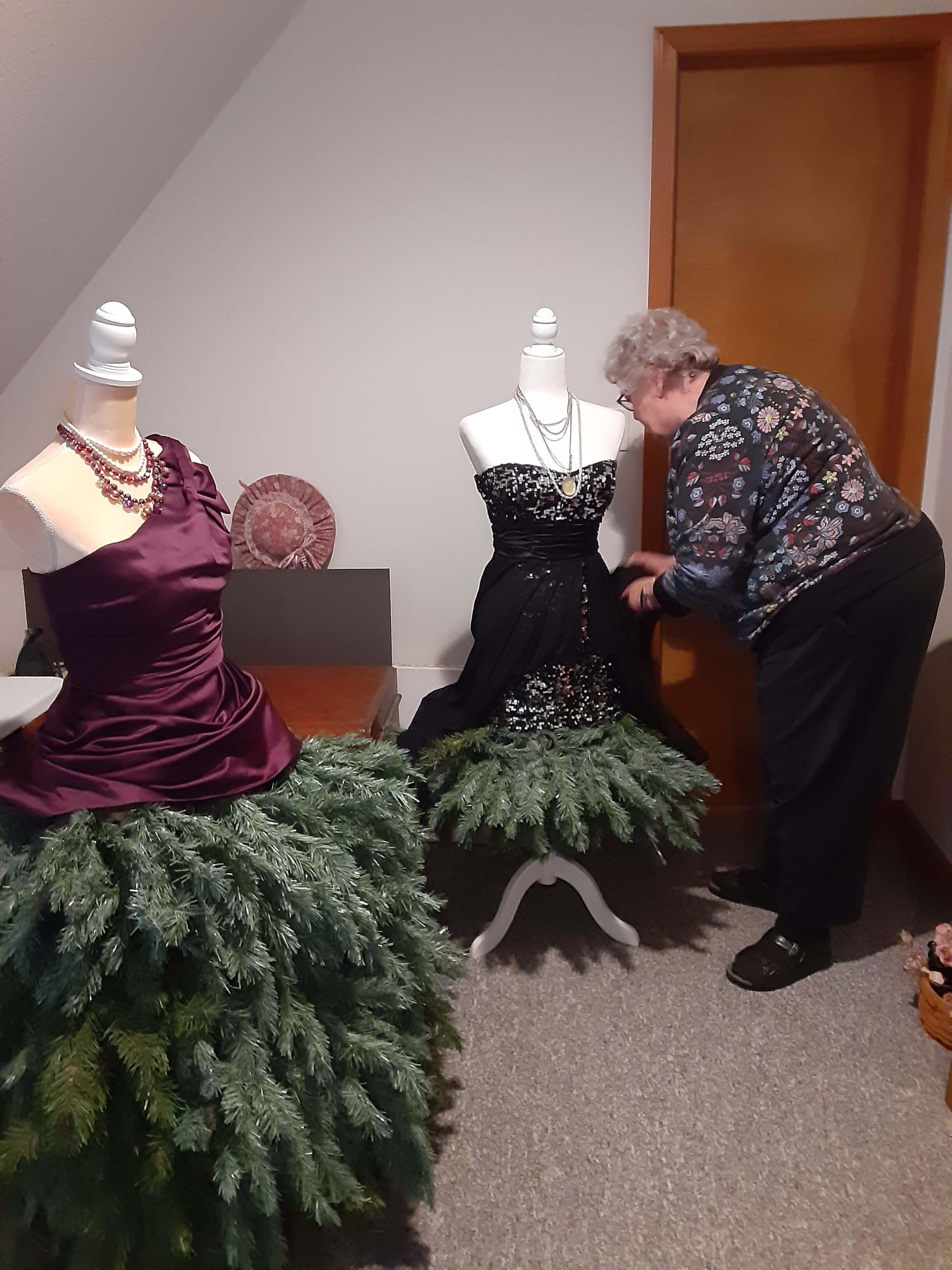 Donna making mannequin